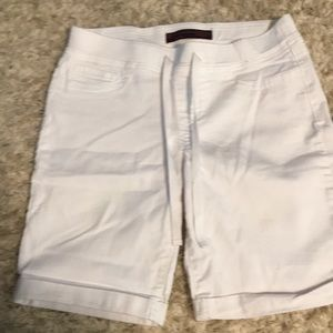NWOT juniors no boundaries white jegging shorts